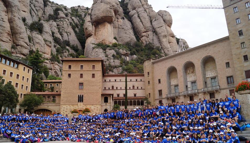 Els 600 alumnes del col·legi 'El Carme' viatgen a Montserrat per celebrar el centenari