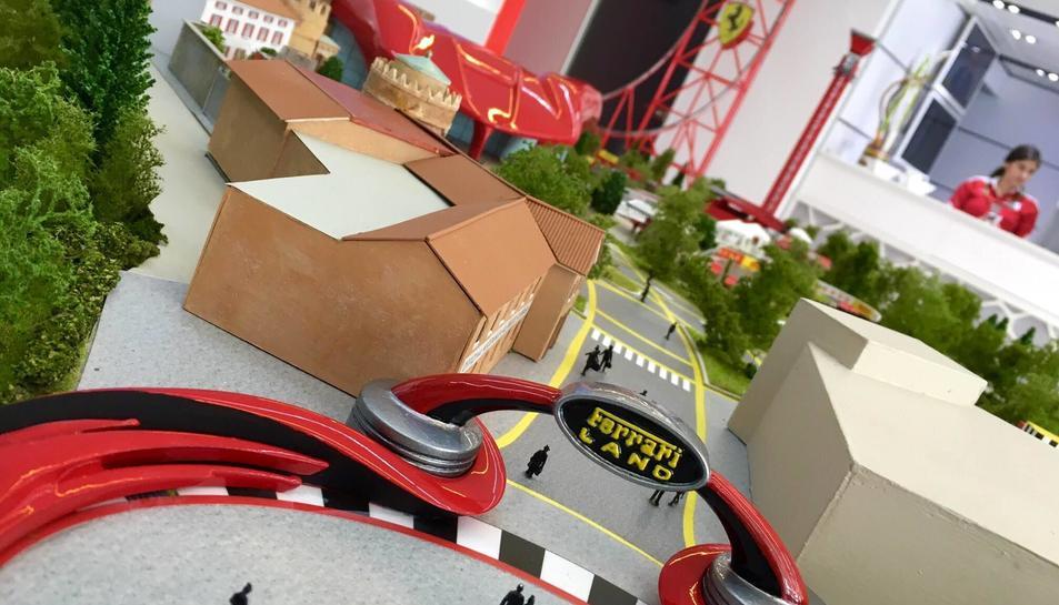 La maqueta va ser presentada ahir al motorhome de l'escuderia italiana en el circuit de Montmeló.