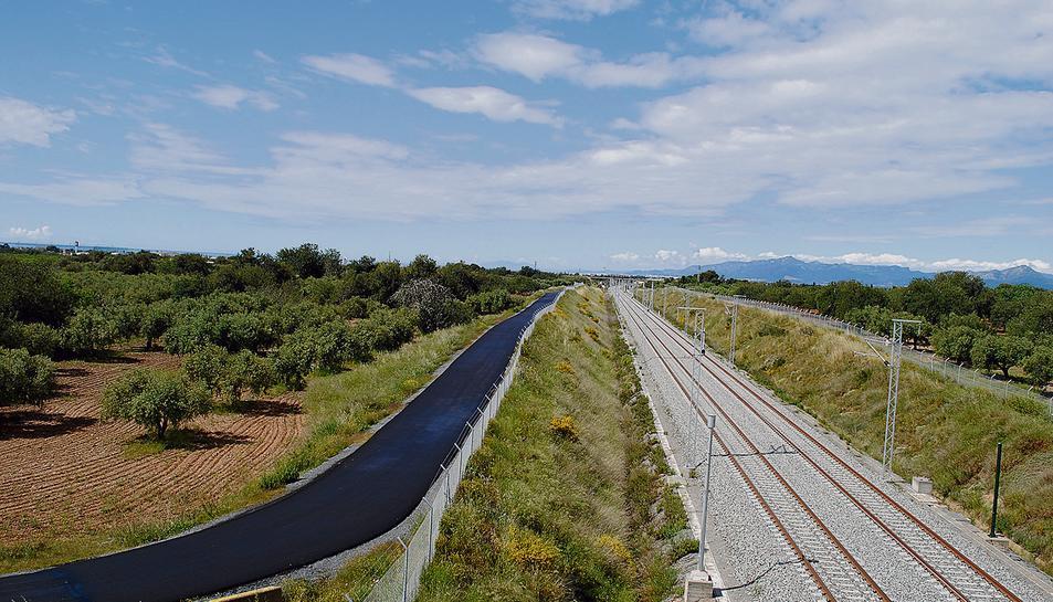 L'Ajuntament arranja els camins afectats pel corredor del Mediterrani