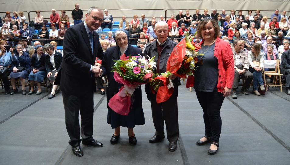 Homenatge a l'home i la dona més grans de Reus, en el marc de la Festa de la Gent Gran