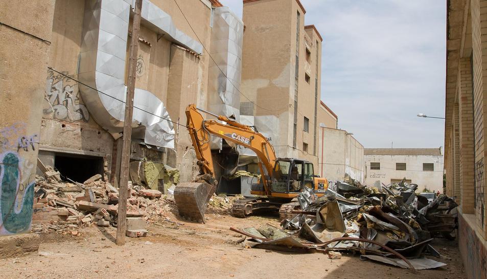 Solvia inicia l'enderroc de l'interior de la Sedera tot i la forta oposició veïnal