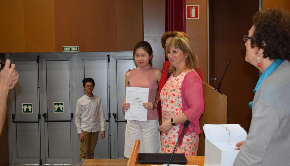 Els estudiants xinesos de la URV reben el diploma de final de curs