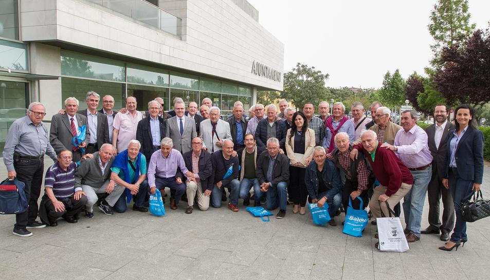La 'Folga 65/2016' de la Fundació Barça Veterans han arribat a Salou per a realitzar-hi una trobada d'exjugadors de més de 65 anys del Futbol Club Barcelona.