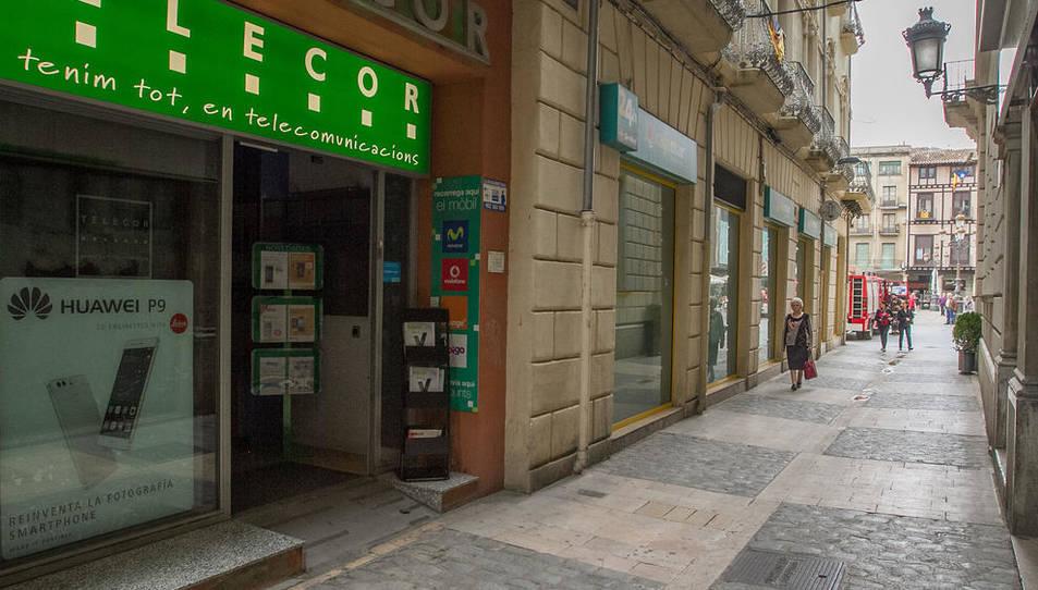 L'incendi ha tingut lloc a la botiga Telecor, al carrer Galanes.