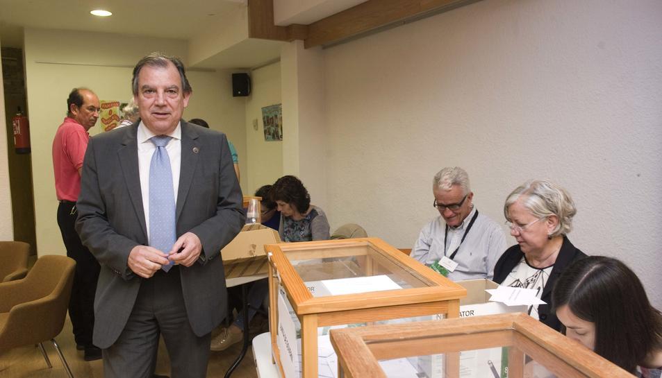 Fernando Vizcarro guanya les eleccions del Col·legi Oficial de Metges
