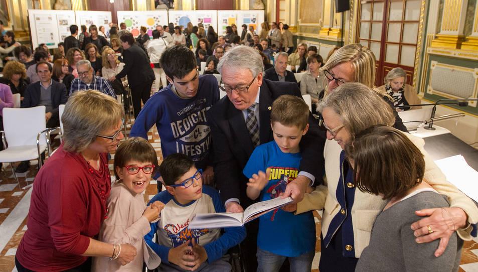 Un lipdub celebra els 35 anys del Col·legi Públic d'Educació Especial Alba