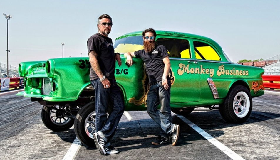 Els protagonistes del programa televisiu Fast'n Loud s'encarreguen de reconstruir cotxes en mal estat.