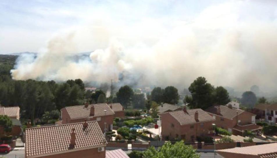 Incendi a la zona de Santa Isabel al barri de Sant Salvador