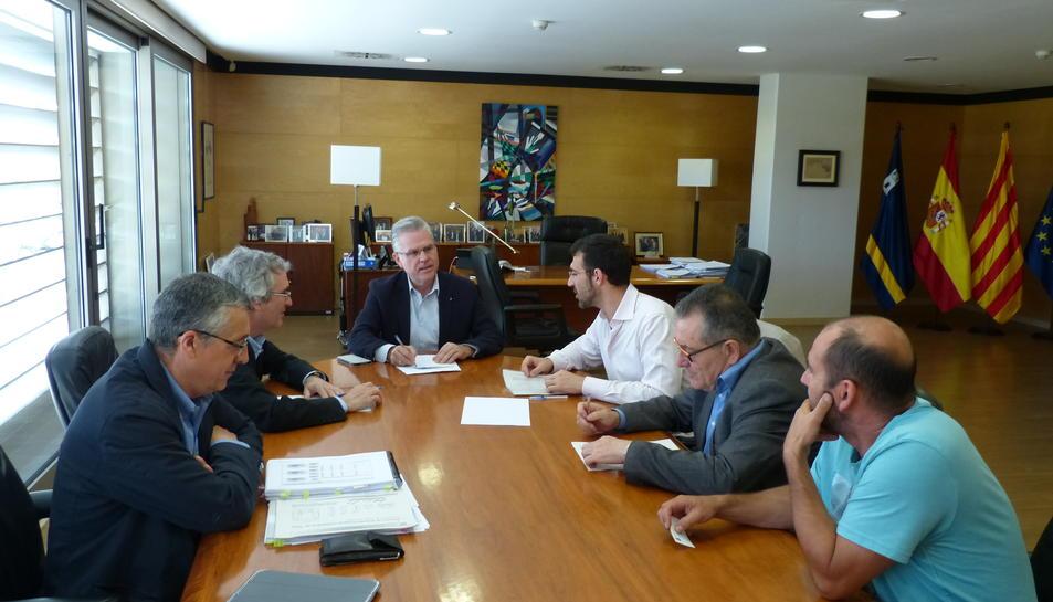 Salou defensa la construcció d'una estació al baixador de PortAventura
