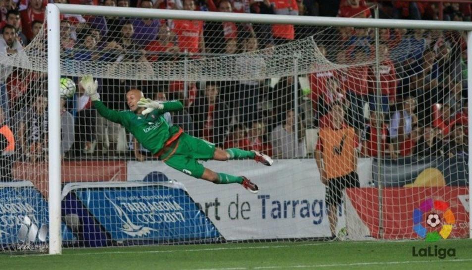 El Nàstic guanya l'Osasuna amb un gran gol de Naranjo (1-0)