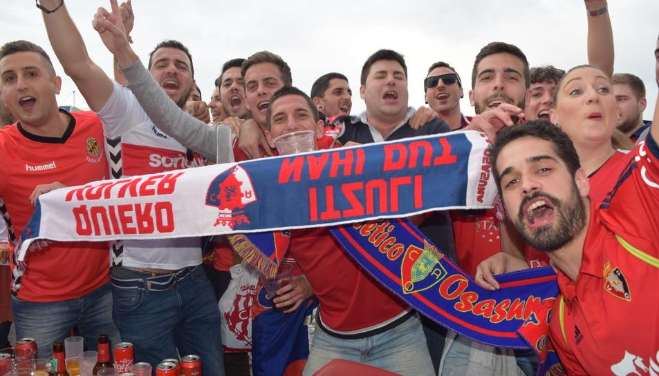 Nàstic - Osasuna: la afición llena el Nou Estadi/1