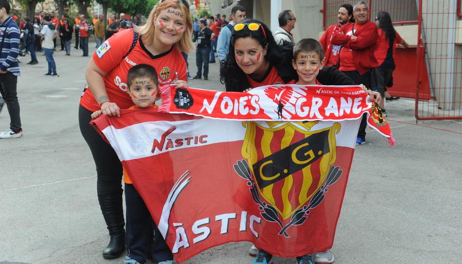 Nàstic - Osasuna: la afición llena el Nou Estadi/2
