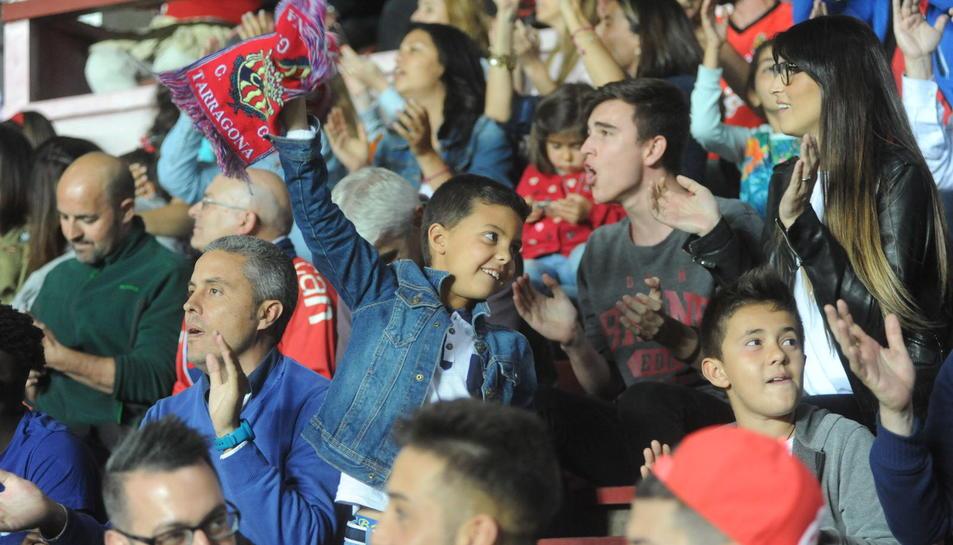 Nàstic - Osasuna: l'afició omple el Nou Estadi/3