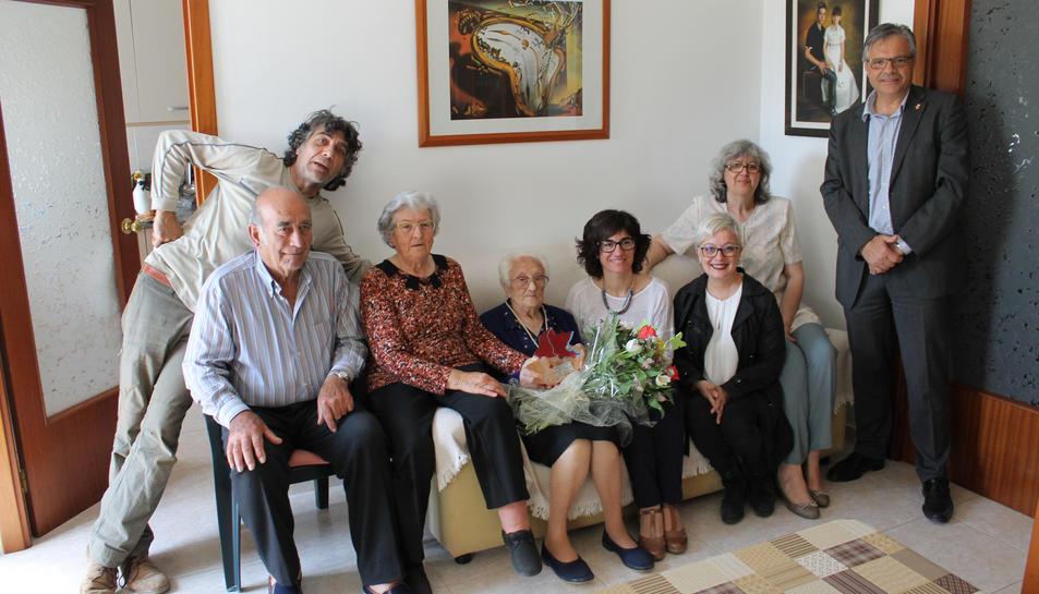 Homenatge institucional a l'àvia centenària de Roquetes, Ramira Querol