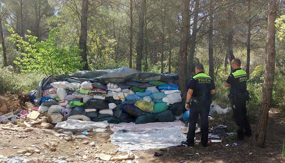 La Guàrdia Urbana troba 1500 kg. de roba
