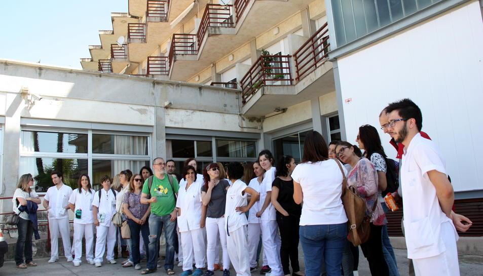 Els treballadors de la residència Alt Camp de Valls segueixen en peu de guerra