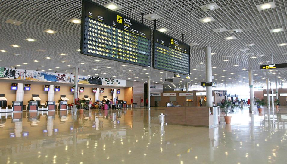 Les tres noves rutes són operades per Ryanair.