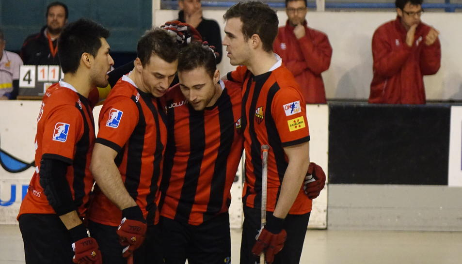 Els jugadors de Reus, celebrant.