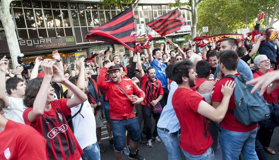 Rua de celebració de l'ascens del CF Reus. 02