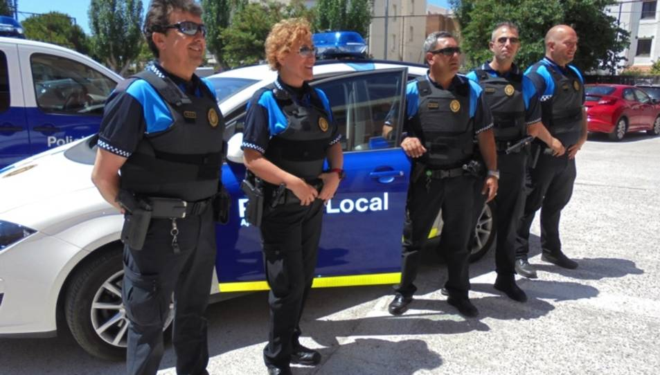 La Policia Local de Cunit s'equipa amb armilles antibales
