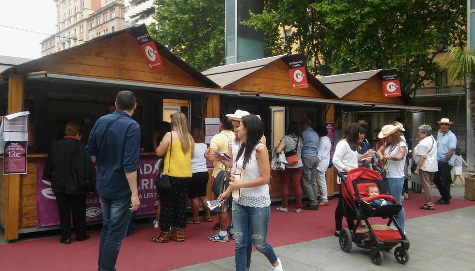 L'Ostrada Popular ha aplegat a desenes de reusencs a la plaça Llibertat.