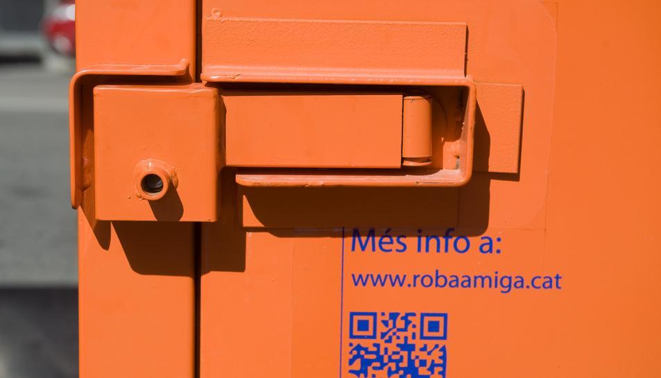 El nou model de contenidors, que amaga els cadenats.