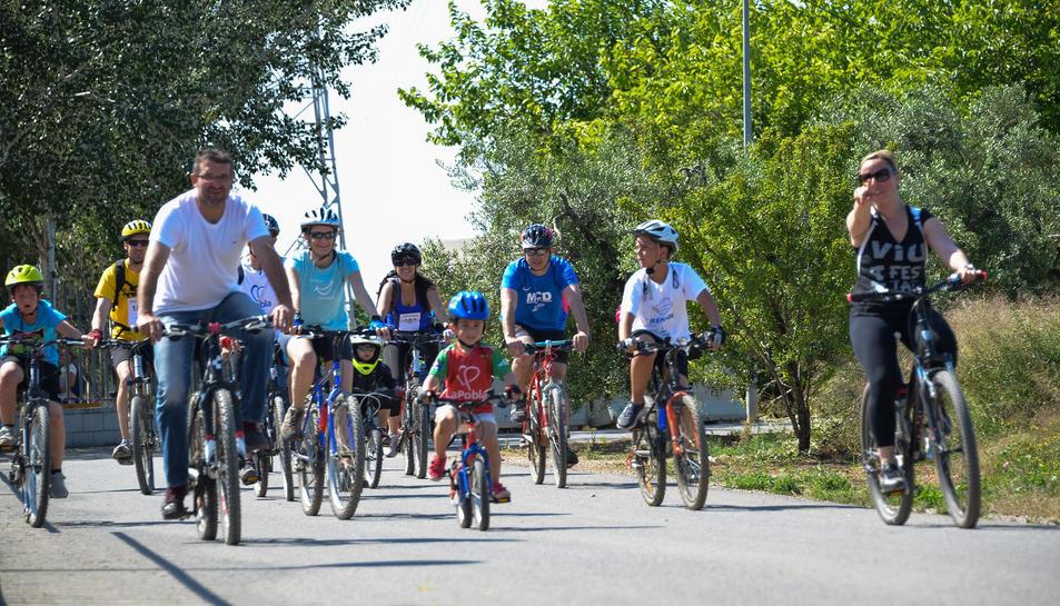 La13a Bicicletada Popular de La Pobla compta amb més de 300 persones