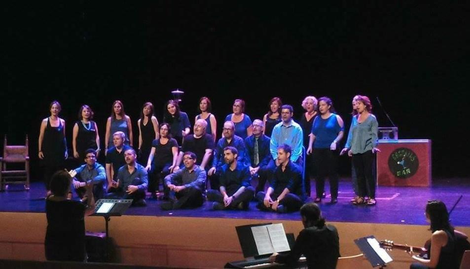 El concert 'Oh happy cors' omplirà de swing el Bartrina