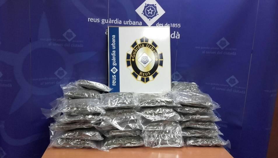 Detenen un home a Reus que portava 23 kg de marihuana