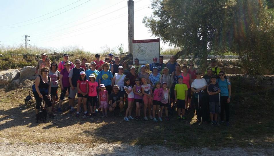 Una caminada popular inaugura el nou itinerari del Camí del Rourell a Alcover