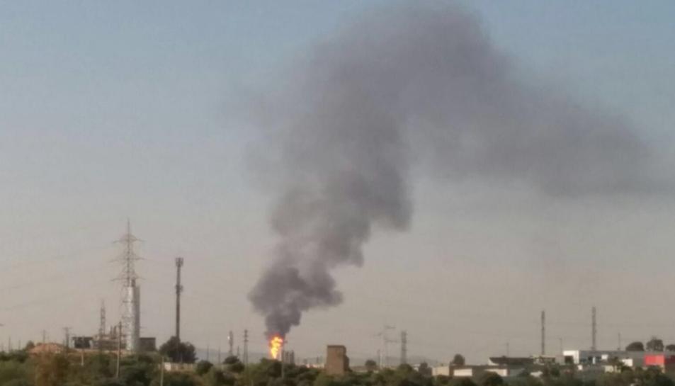 Al Polígon Nord es poden observar les dues flames.