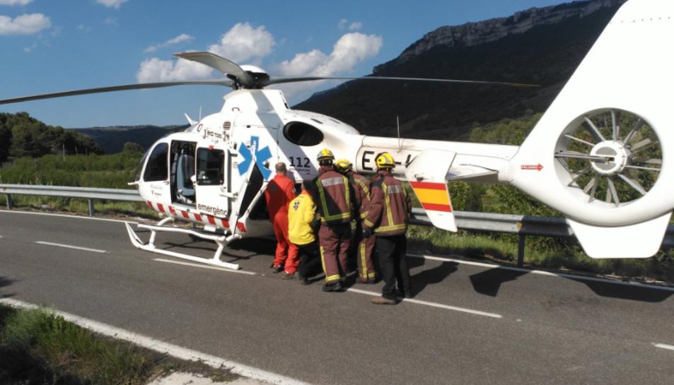 El conductor de la moto ha estat traslladat amb helicòpter fins a l'Hospital Joan XXIII.