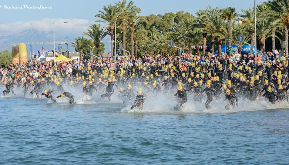 El Triatló de Cambrils reunirà 850 atletes aquest diumenge