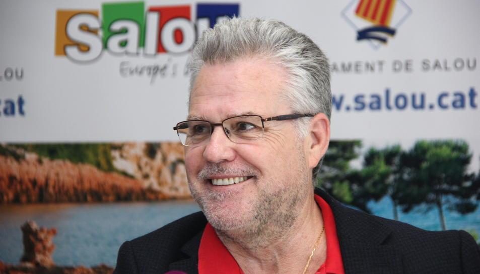 Primer pla de l'alcalde de Salou, Pere Granados, somrient durant una roda de premsa a l'Ajuntament del municipi el 29 de març de 2016.