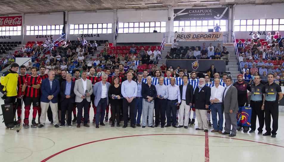 Hoquei i vermut al XXVI Aplec de Penyes del RCD Espanyol a Reus