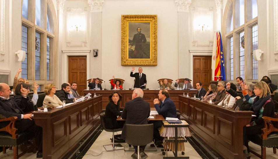 Cap asseguradora vol fer-se càrrec de la responsabilitat civil dels consellers