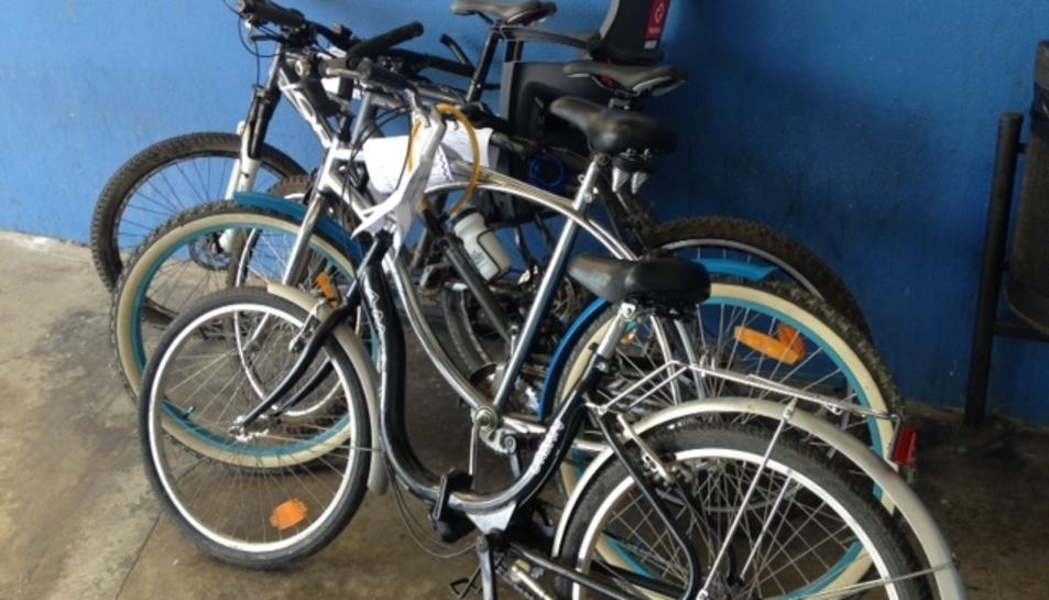 Detenen un jove de 16 anys al Vendrell per robar quatre bicicletes