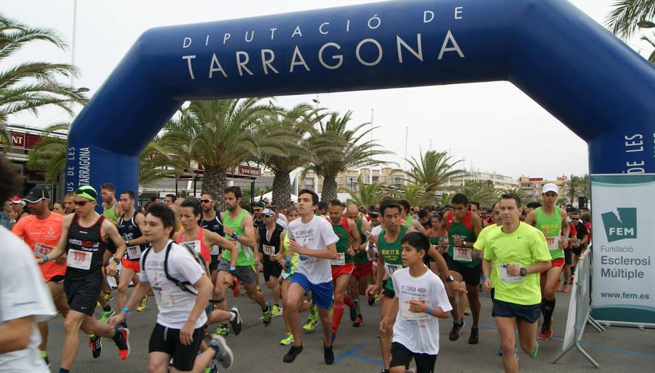 La tercera cursa de l'Aquopolis aplega a 450 corredors