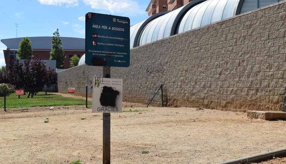 Tarragona compta amb 13 pipicans per recollir els «més de 3 milions d'excrements anuals» dels gossos de la ciutat