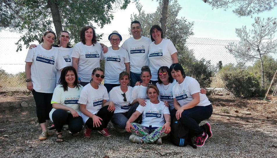 Treballadors de Carrefour a Tarragona col·laboren amb La Muntanyeta en motiu del 'Día de la Buena Gente'