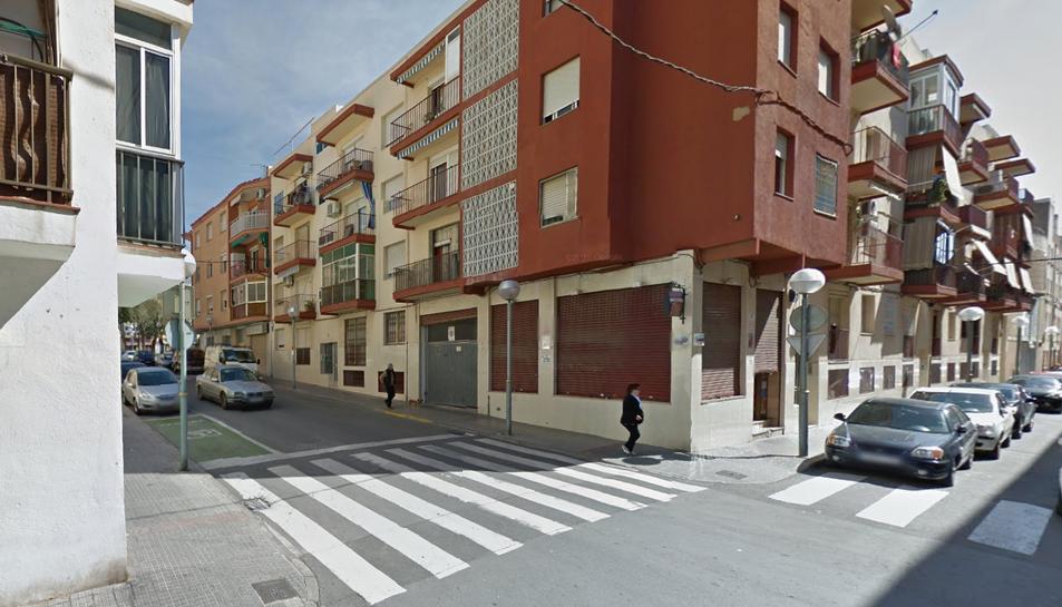 Un carrer de Bonavista, amb un establiment tancat.
