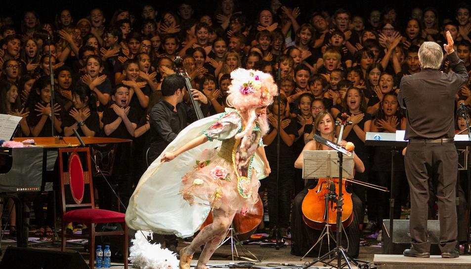 Cantània: 350 infants posen veu al Teatre Fortuny de Reus