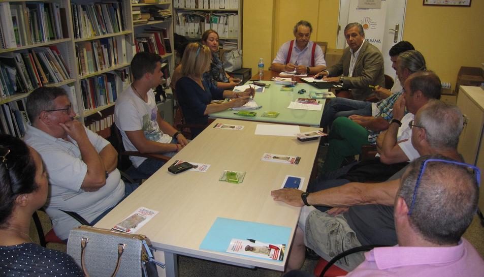 La Coordinadora d'Entitats es reuneix amb DOW per reclamar informació de l'episodi de fums