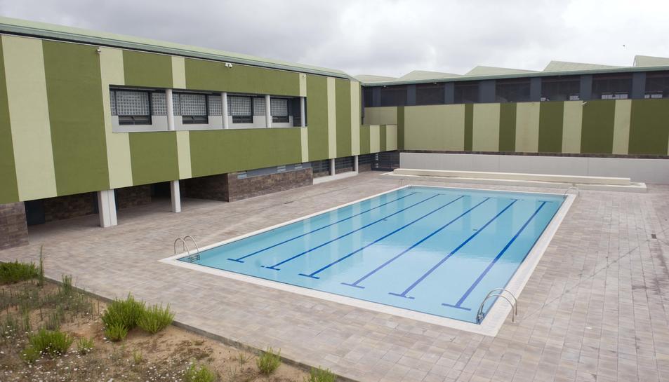 La piscina del centre penitenciari, un dels nous espais del que gaudeixen els interns.