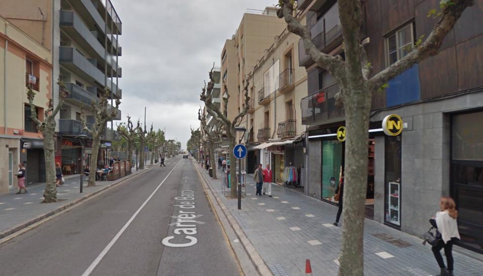Detenen dues dones a Salou per robar roba en botigues del carrer Barcelona