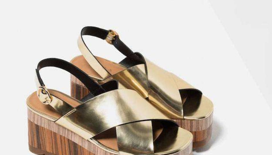 Les cremades d'unes sandàlies de Zara es fan virals