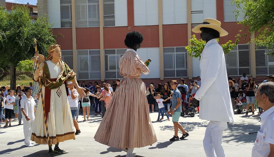 Un Jardí Sensorial i el gegantó Sant Rafael celebren els 50 anys de l'Escola Sant Rafael