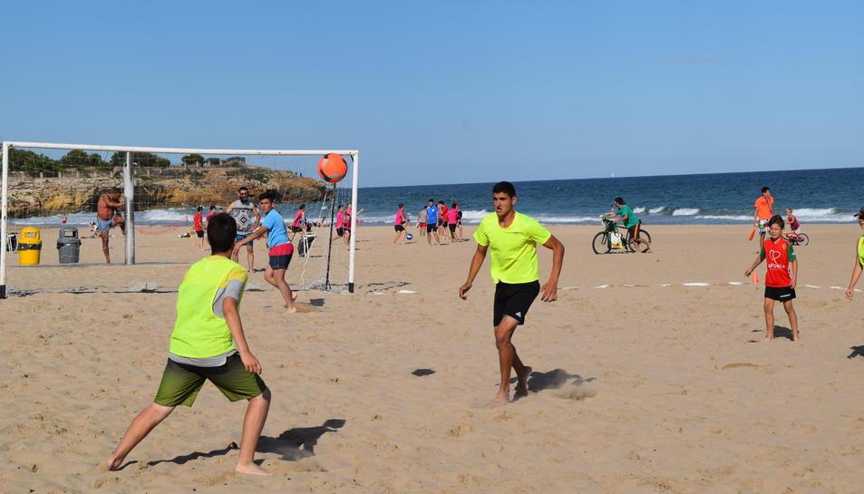 Esport i platja s'uneixen a l'Arrabassada