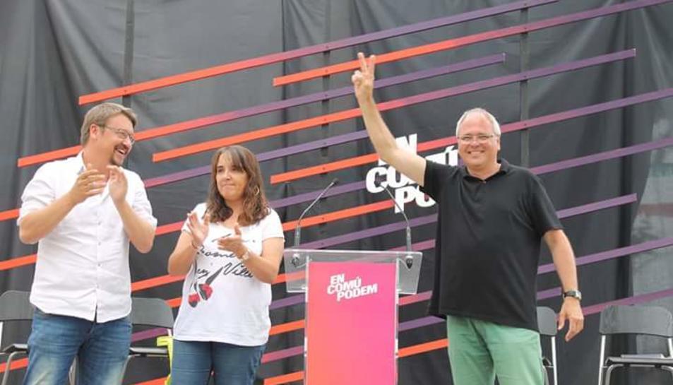 Xavier Domènech, Yolanda López i Fèlix Alonso en un acte de campanya al Vendrell.