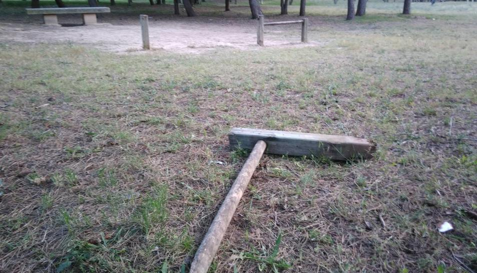 Els veïns denuncien la degradació del parc de la Muntanyeta